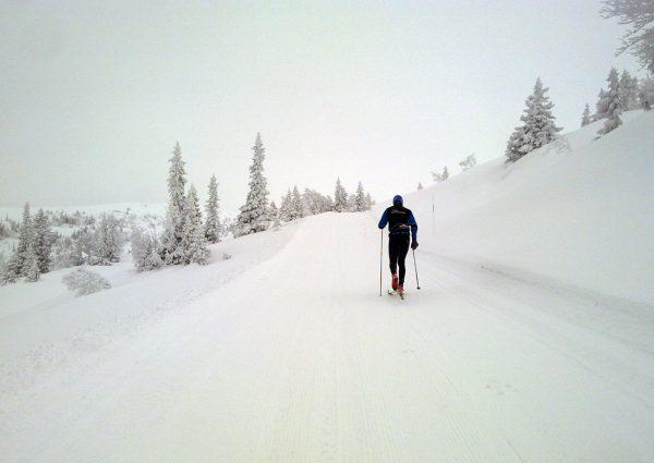 Det ligger an til flotte forhold i morgendagens Norefjellrenn. Bildet er fra i formiddag! Foto: Carl Fredrik Hagen