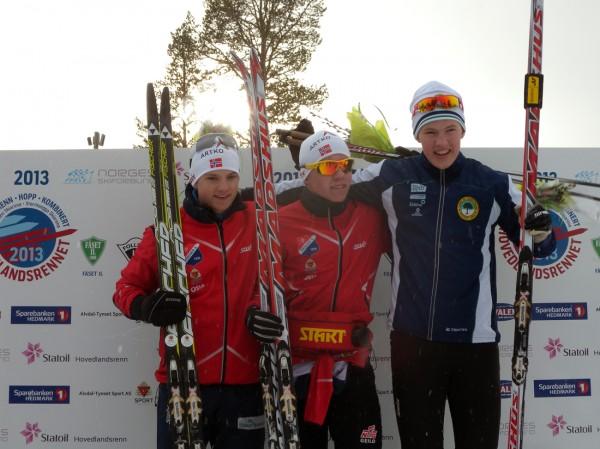 Tre glade medaljevinnere etter sprintfinalen i Hovedlandsrennet på Savalen. Foto: Arnstein Andreassen