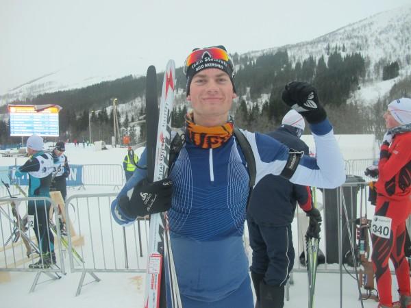 Henrik Gifstad kjemper om en plass til junior-VM og kunne til slutt juble etter seier i lørdagens løp, dog ikke helt uten dramatikk... (Foto: Stine Klausen)