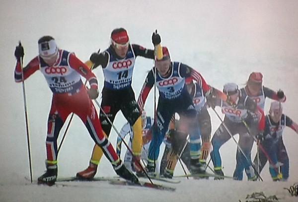 Jr-VM-10km-skiathlon-LottaWeng-drar-feltet