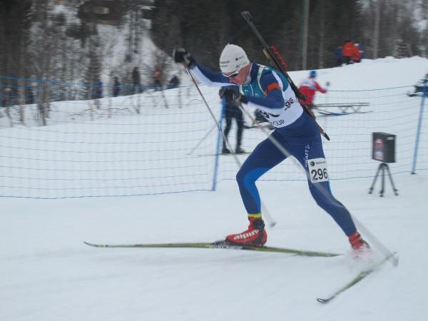 Kristian aalerud tar andreplassen på normaldistansen i Myrkdalen. (Foto: Stine Karlsen)