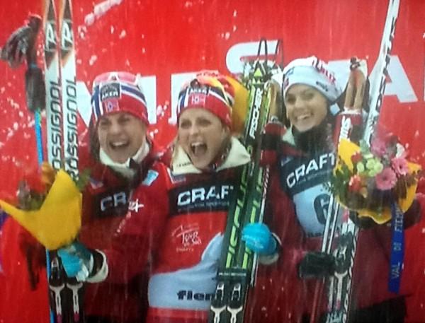 Astrid, Therese og Heidi. Historiske skijenter! (Foto :fra tv-sendingen)