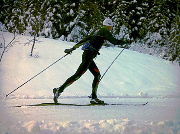 Runar Sannerud i stilfull strekk på treningstur i Hurdal. (Foto: Privat)