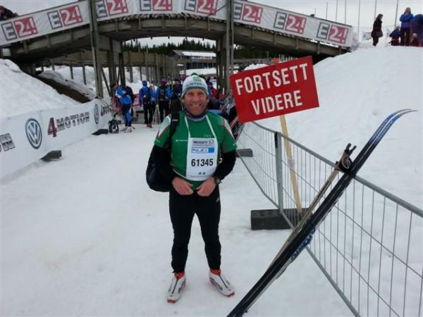 """Godt fornøyd med dagens løp og med tanke på at dette var femte tur over fjellet, med ny pers hver gang, er det vel bare å gjøre som skiltet sier: """"fortsett videre""""."""