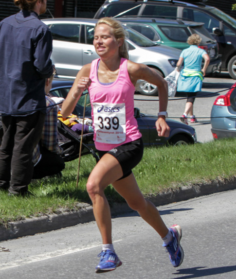 Halvmaraton2014-kvinner-10-Anine-Meadows-Elieson