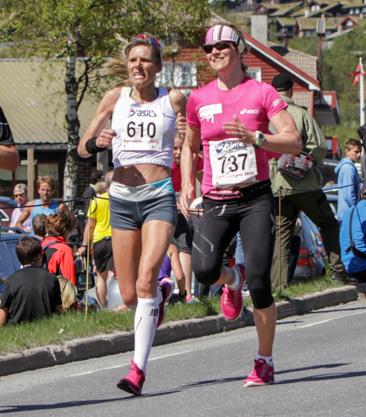Halvmaraton2014-kvinner-5-6-Marianne-Pettrsen_Dorte-Foss
