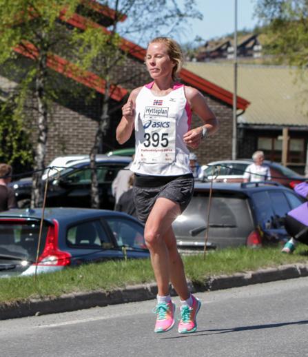 Halvmaraton2014-kvinner-9-Åse-Klinkenberg