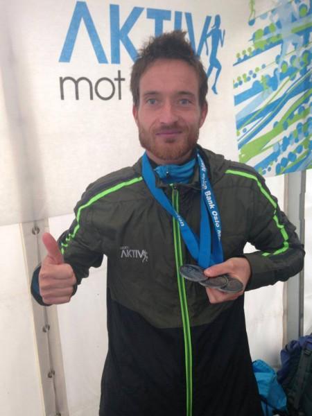 """WELL DONE! """"Rune Solheim er nå vel i mål etter å ha gjennomført alle 3 distanser i dag-74,4 km!! Vi bøyer oss i hatten! Tusen takk for all oppmerksomheten ditt engasjement har gitt og alle pengene som har kommet inn gjennom innsamlingen som ble opprettet!"""" Dette skrev Aktiv mot kreft på Facebook, hvorpå Rune Solheim supplerte: """"Takk til Aktiv Mot Kreft for god backing i dag! For ein herleg løpsfest i Oslo sine gater!!"""""""