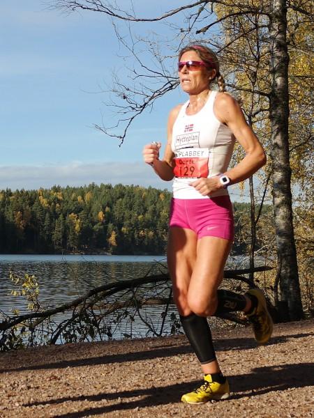 Nytt sterkt løp av Dorte Foss. Her fra Nøklevann Rundt for et par uker siden.  (Foto: Frode Monsen / Sportsmanden) n