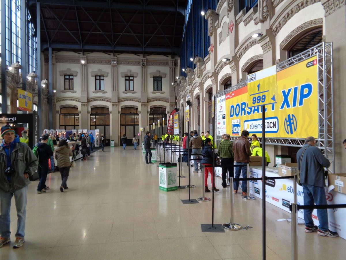 Expo'en er helt basic med startnr.-utdeling og et lite utsalg med noe løpstøy fra en av sponsorene. Plasseringen er ypperlig da den er nære start og mål og følgelig ca. 10-15 minutters gange fra Plaça de Catalunya.