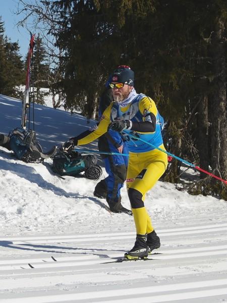 Martin Johsrud Sundby var godt fornøyd med dagen og rennet selv om han måtte jage mye og til slutt møtte sin overmann. Men han måtte spiulle på sine styrker som er god, gamemldags klassisk stil, og gliden var minst like god som Eliassen på blanke ski, iføllge Martin selv.  Foto: Sportsmanden / Frode Monsen