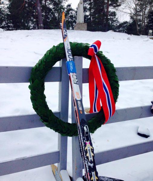 HKmarsjen2016_KariØvsthus_ski-og-krans