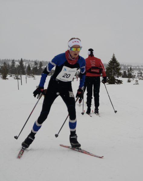 Juni Osnes Lund fra Lyn Ski ble nr 20 med samme startnummer. Hun tok nok dette som en fin trening til løpssesongen. Foto: Frode Monsen / Sportsmanden.no