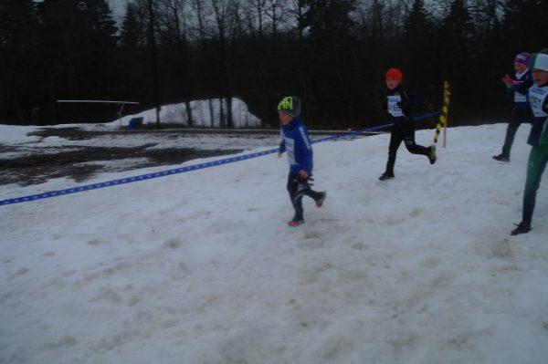 Det var ikke så lett å løpe i råtten snø.