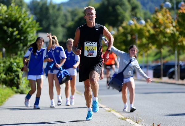 halvmaraton-vegard-ostli-handballspillere-fra-tonsbergs-turn-j13